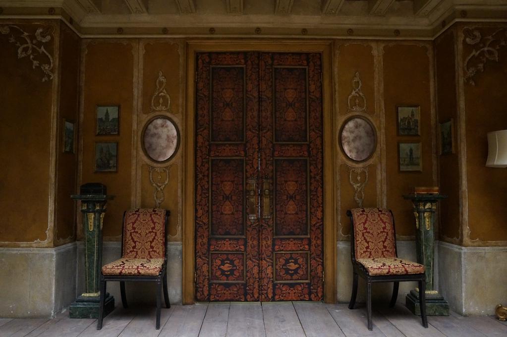 dimmond-set-doors